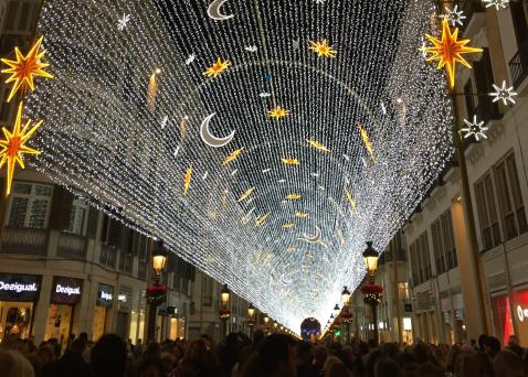 De Spectaculaire Kerstverlichting In Malaga Gaat Weer Aan